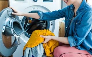 Как и чем убрать смолу с одежды, чтоб не осталось следа и что нельзя делать