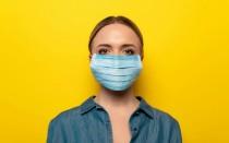 Сколько коронавирус живет на одежде и тканях — как наверняка дезинфицировать
