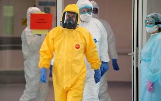 Какую защитную одежду от короновируса используют — как защищаются врачи