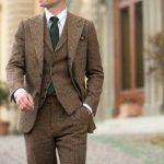 Мужской костюм из костюмной ткани